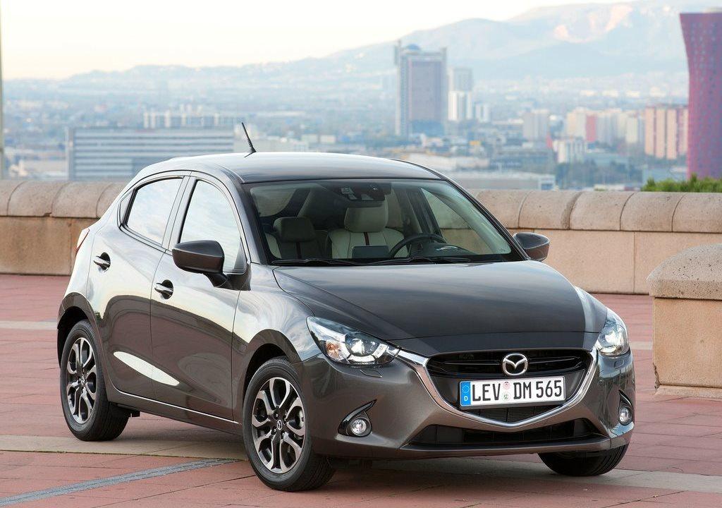 Mazda-2_