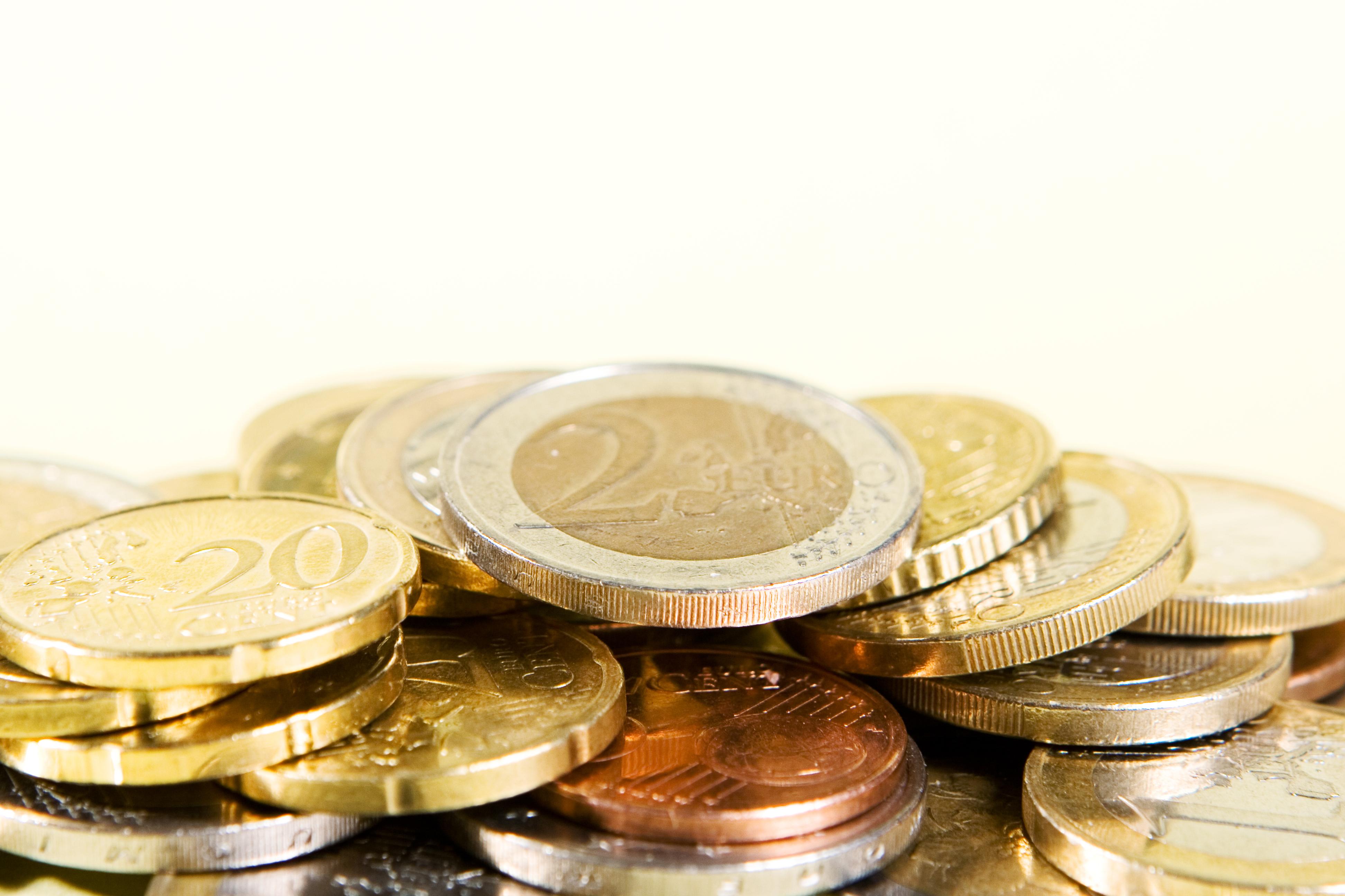 Monedas de préstamos rápidos sin nómina