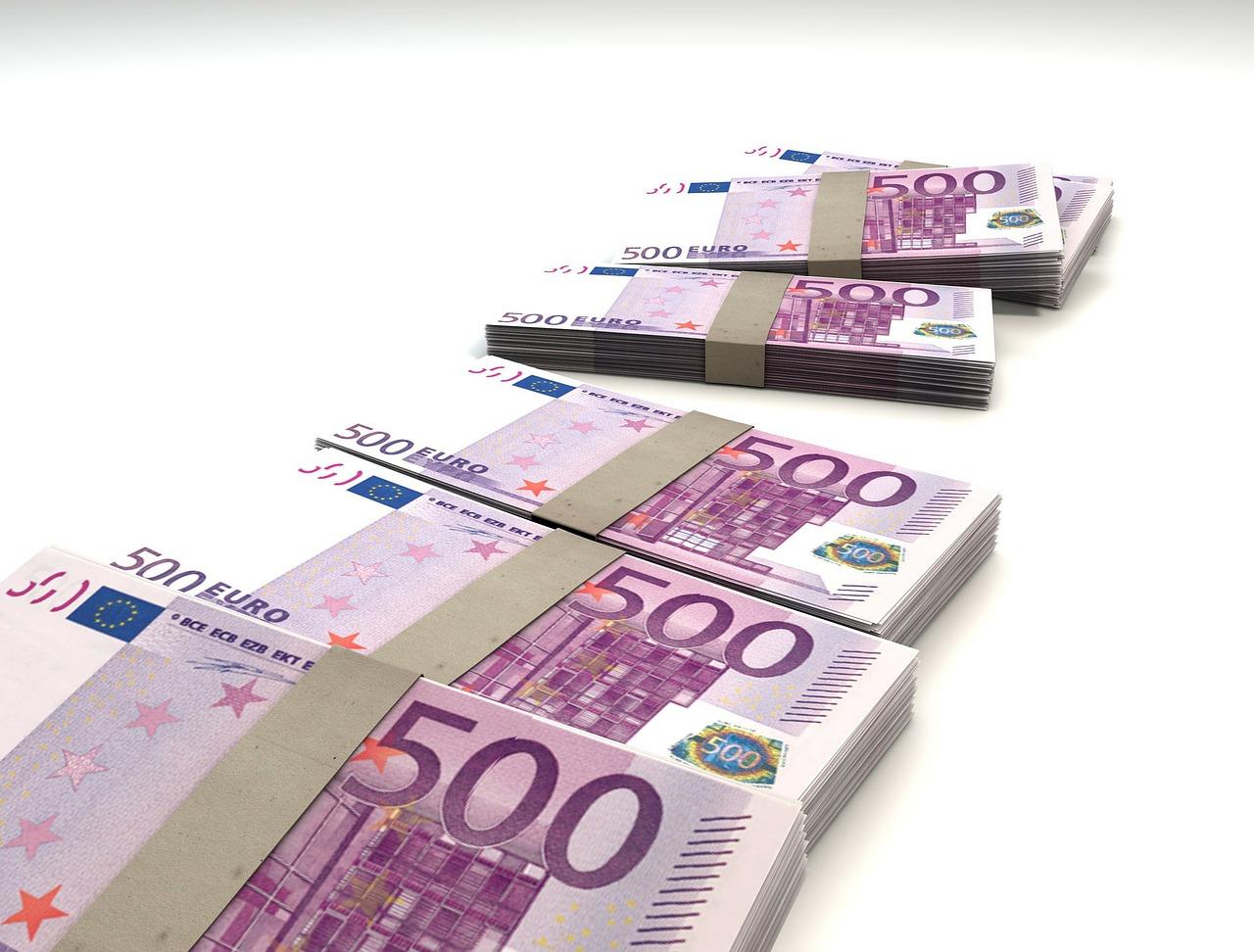 dinero para préstamos
